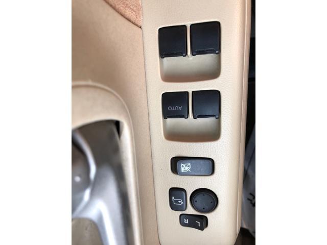 E FOUR 4WD スタッドレスタイヤ付き スマートキー エンジンスターター オートエアコン シートヒーター 社外13インチアルミ 後席分割シート アクセサリーソケット(28枚目)