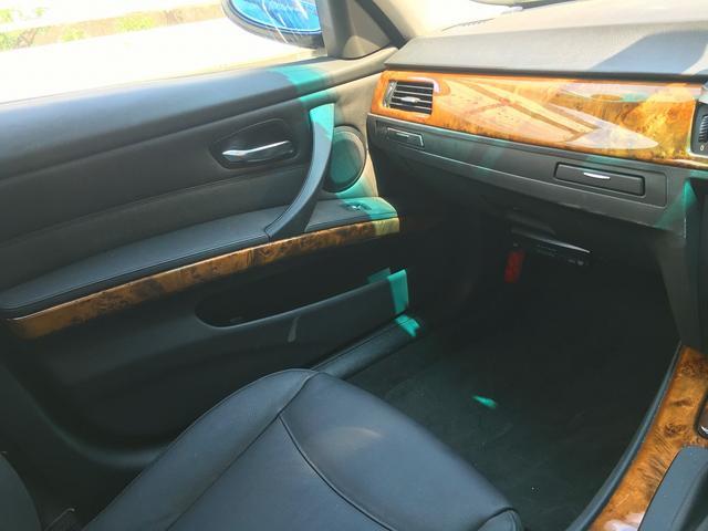 BMW BMW 320iツーリング ストラーダナビ 本革