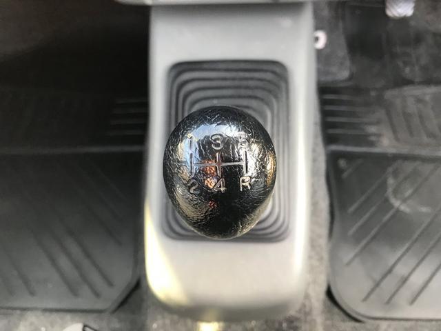 X 5速マニュアル 4WD 車検2年付!(13枚目)