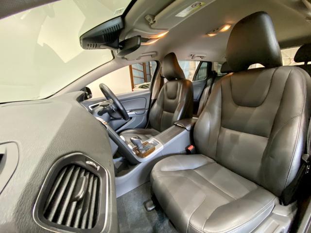 クロスカントリー T5 AWD SE ボルボインテリセーフ ボルボ純正ナビTV バックカメラ パドルシフト ダウンヒルアシストコントロール 衝突被害軽減システム 車検整備2年付き(9枚目)