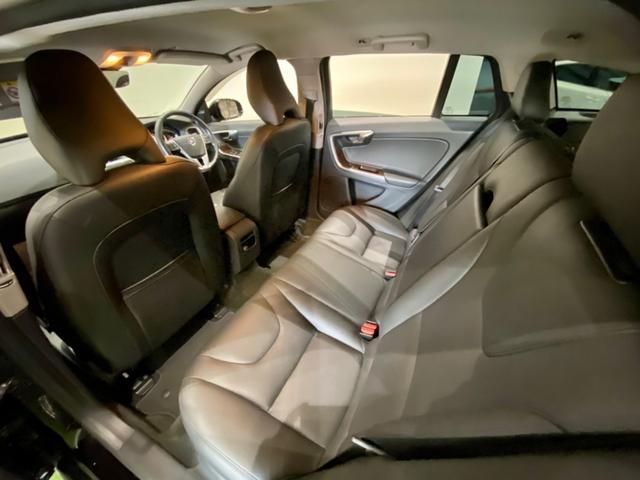 クロスカントリー T5 AWD SE ボルボインテリセーフ ボルボ純正ナビTV バックカメラ パドルシフト ダウンヒルアシストコントロール 衝突被害軽減システム 車検整備2年付き(10枚目)