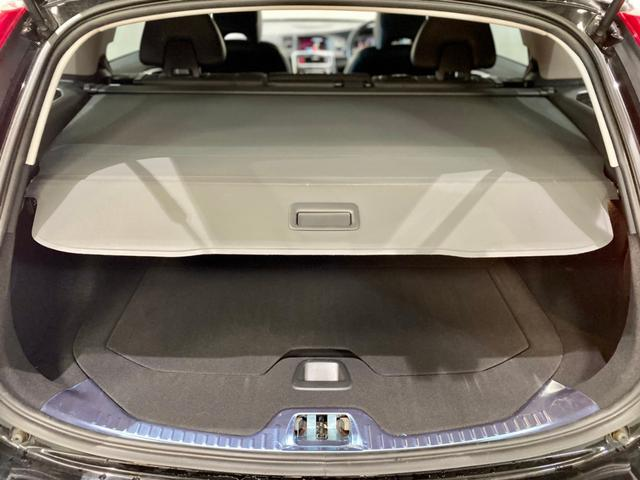 クロスカントリー T5 AWD SE ボルボインテリセーフ ボルボ純正ナビTV バックカメラ パドルシフト ダウンヒルアシストコントロール 衝突被害軽減システム 車検整備2年付き(14枚目)