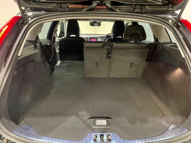 クロスカントリー T5 AWD SE ボルボインテリセーフ ボルボ純正ナビTV バックカメラ パドルシフト ダウンヒルアシストコントロール 衝突被害軽減システム 車検整備2年付き(16枚目)