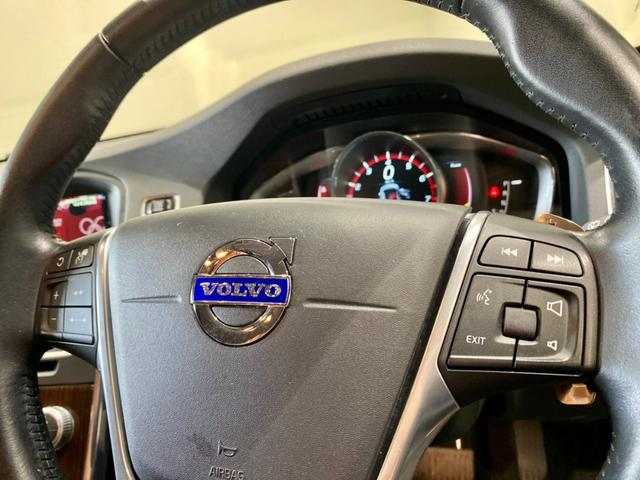 クロスカントリー T5 AWD SE ボルボインテリセーフ ボルボ純正ナビTV バックカメラ パドルシフト ダウンヒルアシストコントロール 衝突被害軽減システム 車検整備2年付き(20枚目)