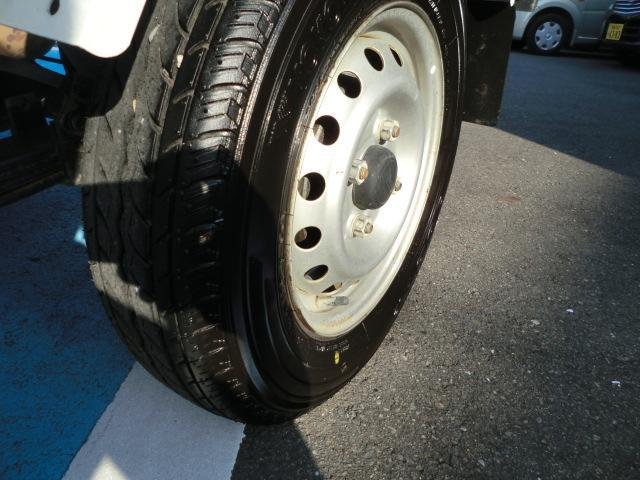 多目的ダンプ ワンオーナー 4WD エアコン パワステ 5速マニュアル車 車検令和4年6月 走行距離68200km(12枚目)