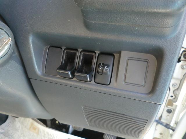 多目的ダンプ ワンオーナー 4WD エアコン パワステ 5速マニュアル車 車検令和4年6月 走行距離68200km(31枚目)