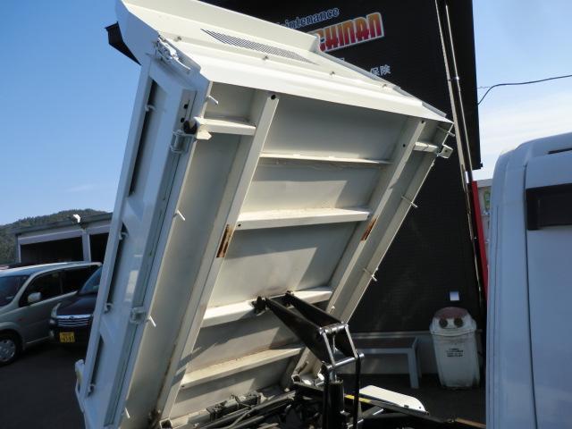 多目的ダンプ ワンオーナー 4WD エアコン パワステ 5速マニュアル車 車検令和4年6月 走行距離68200km(35枚目)