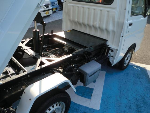 九州運輸局長認証工場完備!認証工場とは、一定の規模の作業場と作業機械、分解整備に従 事する従業員を有する工場に対し、申請により地方運輸局長が自動車分解整備事業の認証をしています。