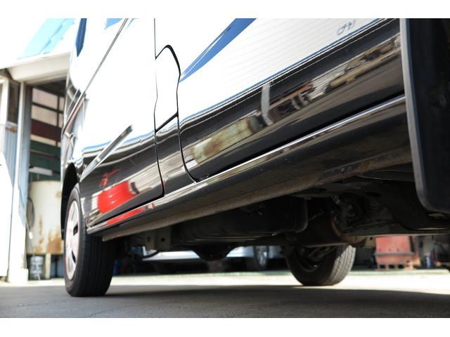 当店は国内全メーカーの新車・中古車を取り扱っております。また、ご購入いただいた後の車検や整備、鈑金塗装なども自社工場完備なので安心してお任せいただけます。お車の事は何でもご相談ください!