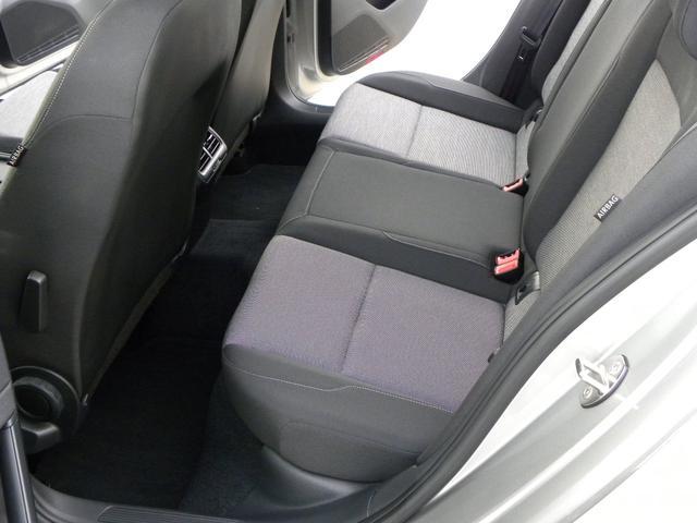 コンパクト輸入車で5人乗りは少ないです。