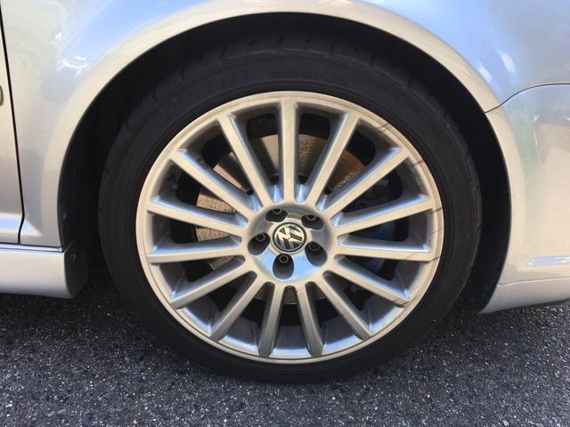 フォルクスワーゲン VW ゴルフ R32 ブラックレザーシート HDDナビ 6MT 4WD