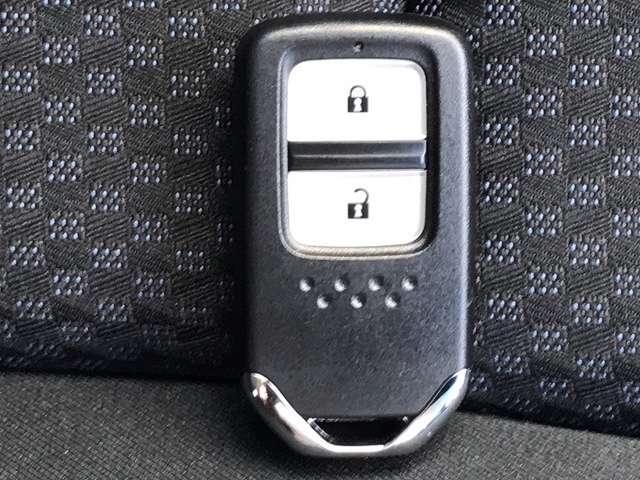 13G・F 5速MT ワンオーナー 走行1.7万km 横滑り防止 社外メモリーナビ CD DVD BT Bカメラ 盗難防止 iストップ スマートキー キーレス(17枚目)