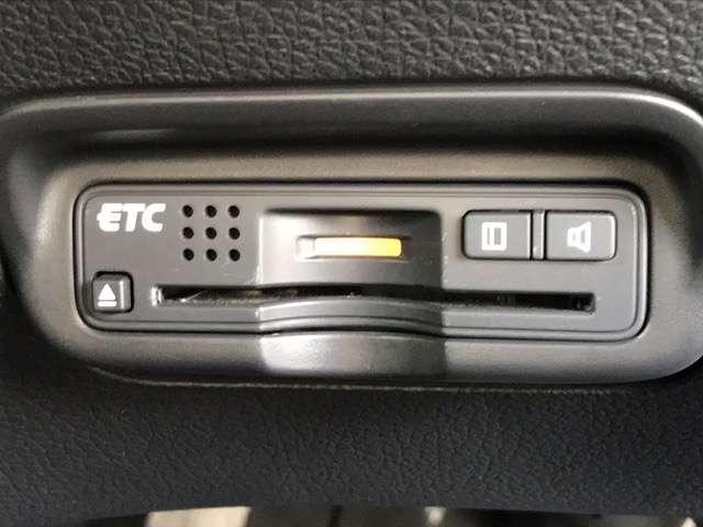 ハイブリッドZ ワンオーナー 走行39600km あんしんパッケージ 衝突軽減ブレーキ  LEDライト ETC 社外前ドラレコ 純正メモリーナビ バックカメラ Bluetooth CD DVD再生 純正17アルミ(13枚目)