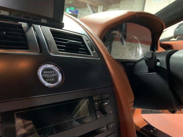 「アストンマーティン」「アストンマーティン V8ヴァンテージ」「クーペ」「東京都」の中古車8