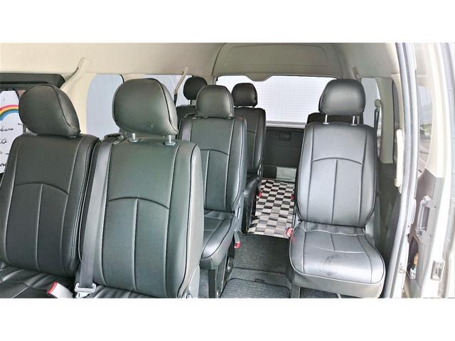 グランドキャビン 4WD ナビ ETC 電動スライドドア 10人乗り ワンセグTV バックカメラ ドライブレコーダー リアヒーター リアクーラー 後席モニター キーレスエントリー(12枚目)
