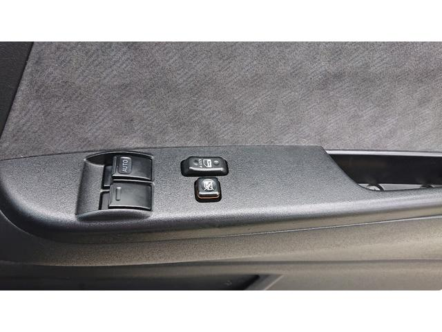 グランドキャビン 4WD ナビ ETC 電動スライドドア 10人乗り ワンセグTV バックカメラ ドライブレコーダー リアヒーター リアクーラー 後席モニター キーレスエントリー(20枚目)