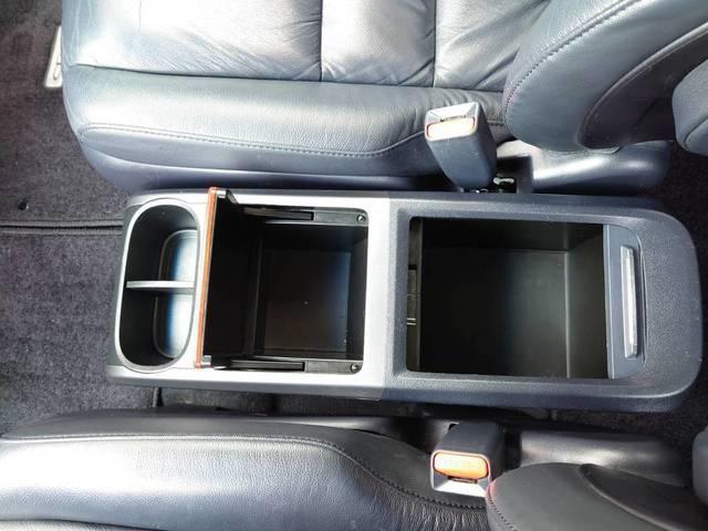 ZX 【1年保証付♪】 4WD ワンオーナー 禁煙 革シート 純正ナビ Bカメラ ETC(25枚目)