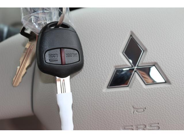 三菱 eKワゴン E 届出済未使用車 キーレス