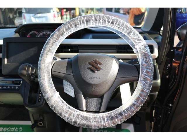 車のハンドルのウレタンは、強度があり、握ると少し弾力のある触り心地が特徴です