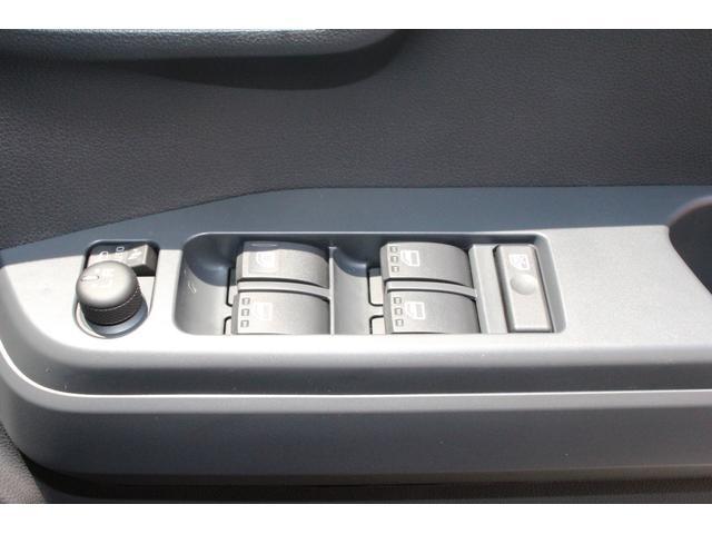 GターボSAIII  届出済未使用車 両側自動ドア LEDライト キーフリー スマートキー 衝突被害軽減ブレーキ アイドリングストップ(19枚目)
