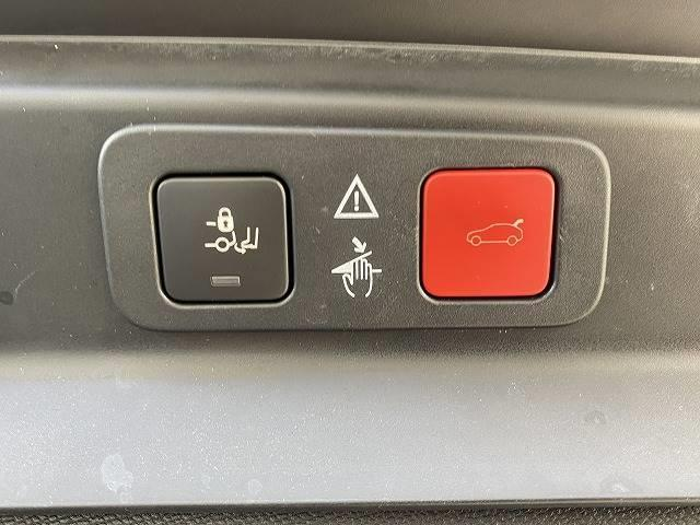 【パワーバックドア】装備で駐車が苦手な方でも安心しておのりいただけます!