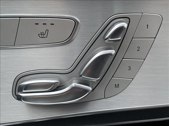 GLC 250 4MATIC スポーツ 純正ナビゲーション 全方位カメラ 衝突軽減システム パワーシート 4WD ハーフレザー シートヒーター ヘッドアップディスプレイ パワーバックドア LEDヘッド 純正アルミ(9枚目)