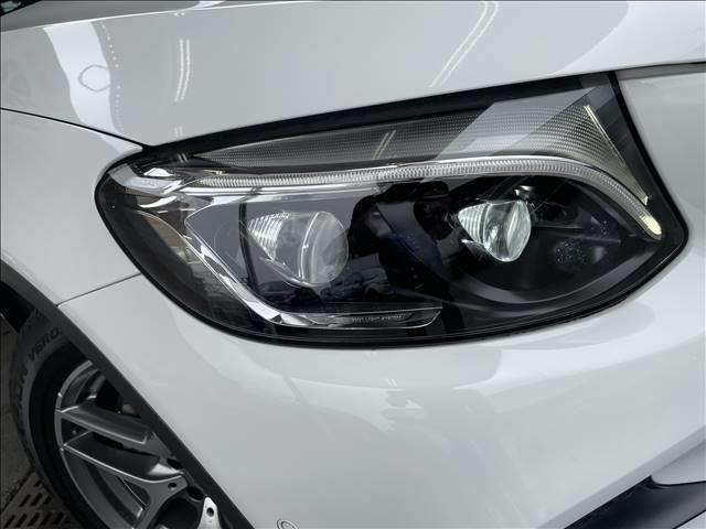 GLC 250 4MATIC スポーツ 純正ナビゲーション 全方位カメラ 衝突軽減システム パワーシート 4WD ハーフレザー シートヒーター ヘッドアップディスプレイ パワーバックドア LEDヘッド 純正アルミ(19枚目)