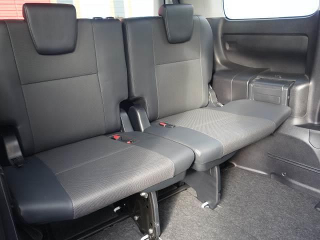 Gi 8人乗り 両側パワースライドドア レザーシート LEDヘッド 純正7インチナビ スマートキー クルーズコントロール シートヒーター 3列シート バックカメラ ユーザー買取車両 ビルトインETC(10枚目)