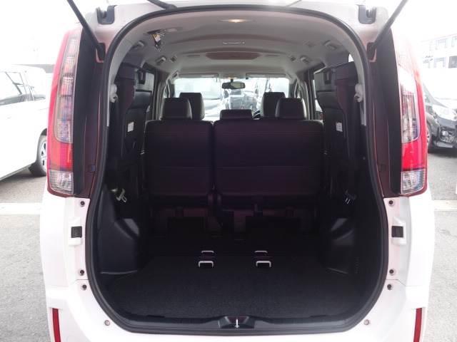 Gi 8人乗り 両側パワースライドドア レザーシート LEDヘッド 純正7インチナビ スマートキー クルーズコントロール シートヒーター 3列シート バックカメラ ユーザー買取車両 ビルトインETC(11枚目)