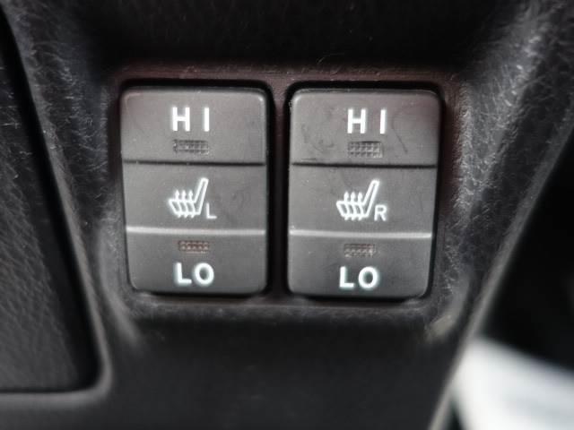 Gi 8人乗り 両側パワースライドドア レザーシート LEDヘッド 純正7インチナビ スマートキー クルーズコントロール シートヒーター 3列シート バックカメラ ユーザー買取車両 ビルトインETC(12枚目)