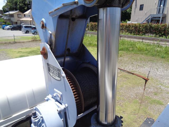タダノ3段クレーン ラジコン付 標準ボディ 積載2トン(9枚目)