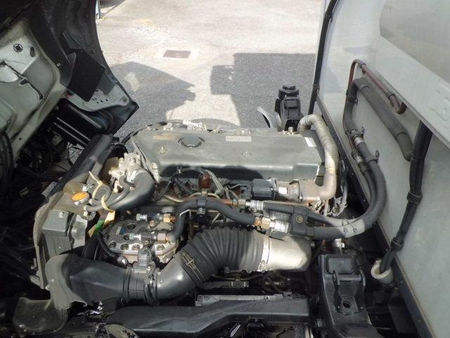 4.8ディーゼル -30°低温冷凍車 サイド扉付き 4WD(18枚目)