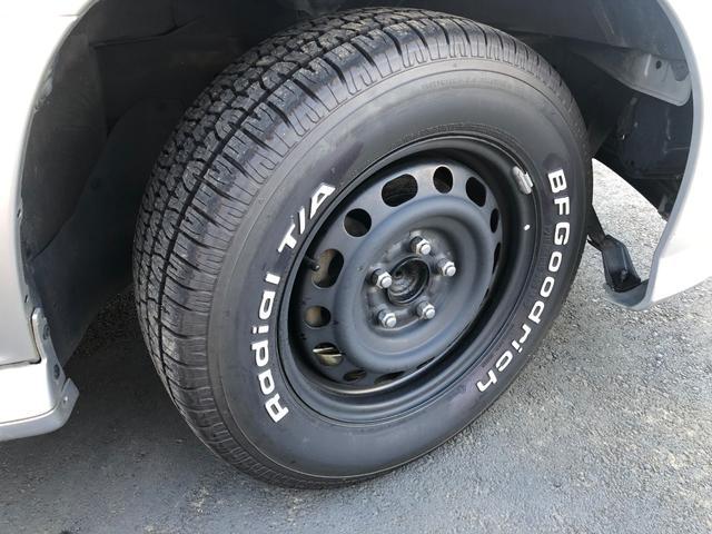 15インチスチールホイール/新品グッドリッチT/Aタイヤ4本装着しています。215/65R15