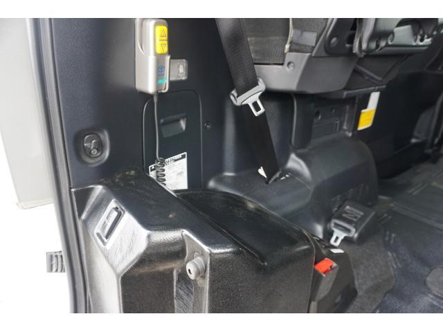スローパー 車椅子2脚仕様 サードシート付 電動ウィンチ(15枚目)