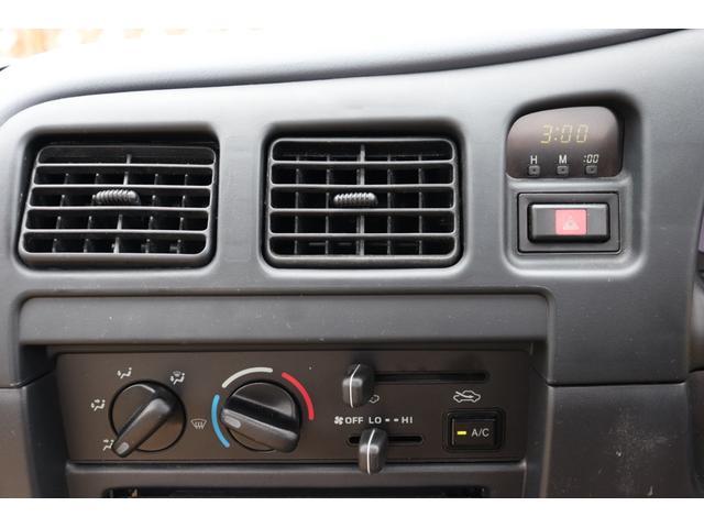 DX イベント出品車両・オリジナルカスタムペイント・シート張替え・SDナビ・TV・ETC・バックカメラ・ローダウン・ベビームーン・ホワイトレタータイヤ・ベンチシート・ウッドステアリング・チューブステップ(22枚目)