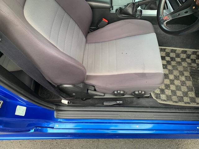 25GTターボ ・GT-Rタイプフルエアロ&F/Rオーバーフェンダー&GT-Rタイプリアスポイラー&カーボントランク・社外18インチホイール・インタークーラー&オイルクーラー&ラジエター・TEIN車高調・社外マフラー(34枚目)