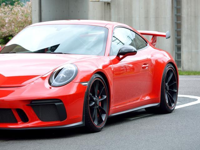 911GT3 6MT Fリフト レザーP カーボンP Clubsport package PTV Red 12 o'clock スポーツクロノ フルバケットシート ミラーカーボン ブラックデザインLEDヘッドライト(3枚目)