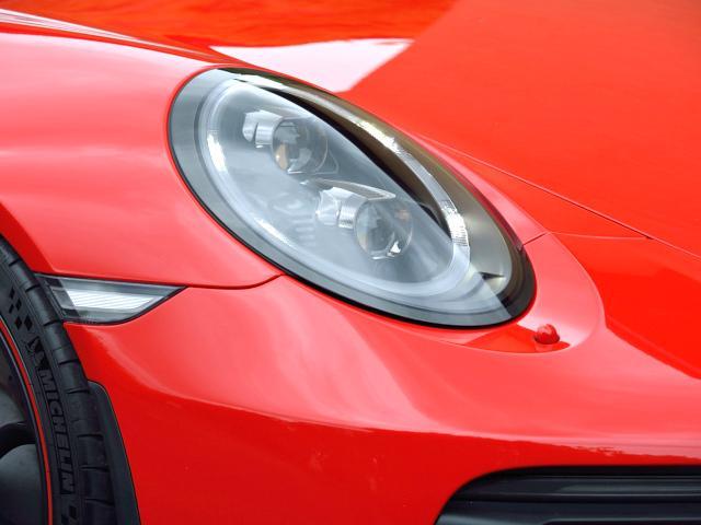 911GT3 6MT Fリフト レザーP カーボンP Clubsport package PTV Red 12 o'clock スポーツクロノ フルバケットシート ミラーカーボン ブラックデザインLEDヘッドライト(6枚目)