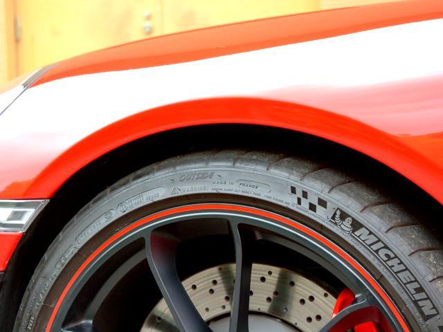 911GT3 6MT Fリフト レザーP カーボンP Clubsport package PTV Red 12 o'clock スポーツクロノ フルバケットシート ミラーカーボン ブラックデザインLEDヘッドライト(9枚目)