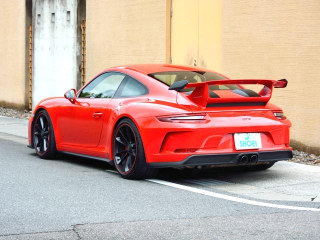 911GT3 6MT Fリフト レザーP カーボンP Clubsport package PTV Red 12 o'clock スポーツクロノ フルバケットシート ミラーカーボン ブラックデザインLEDヘッドライト(16枚目)