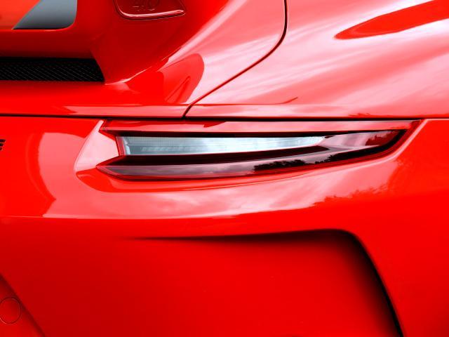 911GT3 6MT Fリフト レザーP カーボンP Clubsport package PTV Red 12 o'clock スポーツクロノ フルバケットシート ミラーカーボン ブラックデザインLEDヘッドライト(20枚目)