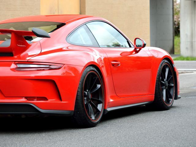 911GT3 6MT Fリフト レザーP カーボンP Clubsport package PTV Red 12 o'clock スポーツクロノ フルバケットシート ミラーカーボン ブラックデザインLEDヘッドライト(22枚目)