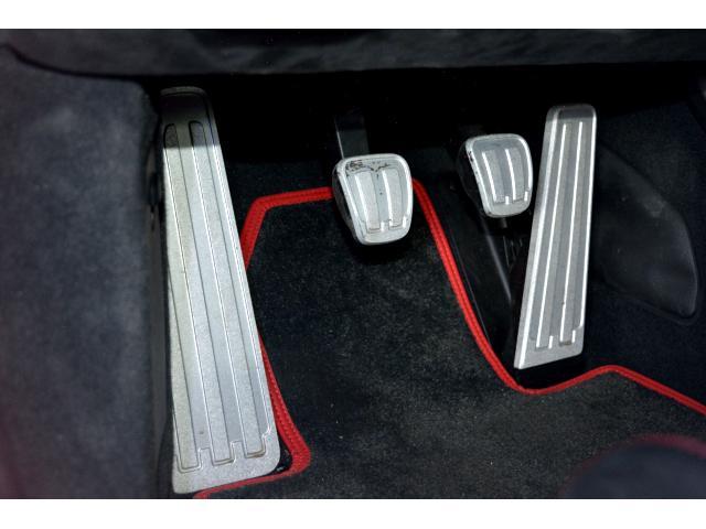 911GT3 6MT Fリフト レザーP カーボンP Clubsport package PTV Red 12 o'clock スポーツクロノ フルバケットシート ミラーカーボン ブラックデザインLEDヘッドライト(26枚目)