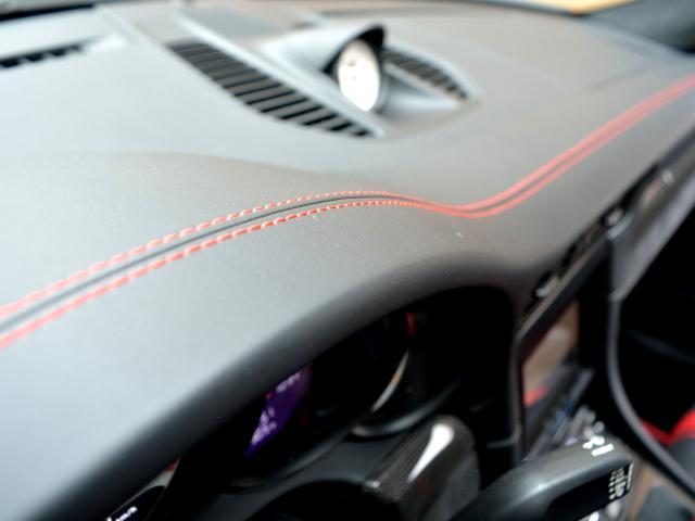 911GT3 6MT Fリフト レザーP カーボンP Clubsport package PTV Red 12 o'clock スポーツクロノ フルバケットシート ミラーカーボン ブラックデザインLEDヘッドライト(30枚目)