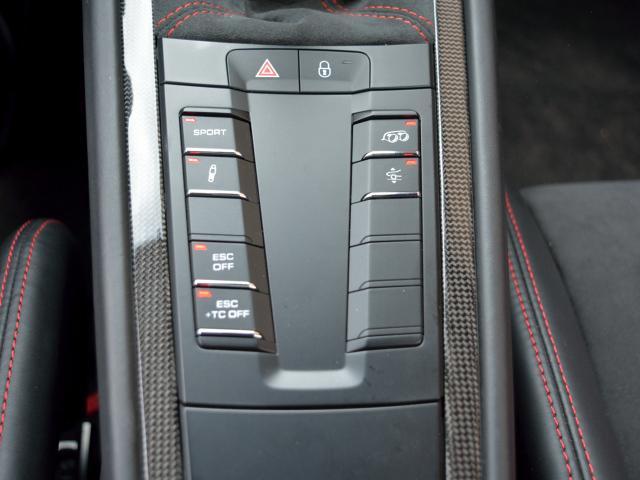 911GT3 6MT Fリフト レザーP カーボンP Clubsport package PTV Red 12 o'clock スポーツクロノ フルバケットシート ミラーカーボン ブラックデザインLEDヘッドライト(32枚目)