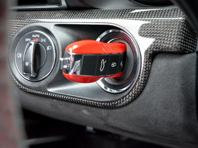 911GT3 6MT Fリフト レザーP カーボンP Clubsport package PTV Red 12 o'clock スポーツクロノ フルバケットシート ミラーカーボン ブラックデザインLEDヘッドライト(33枚目)