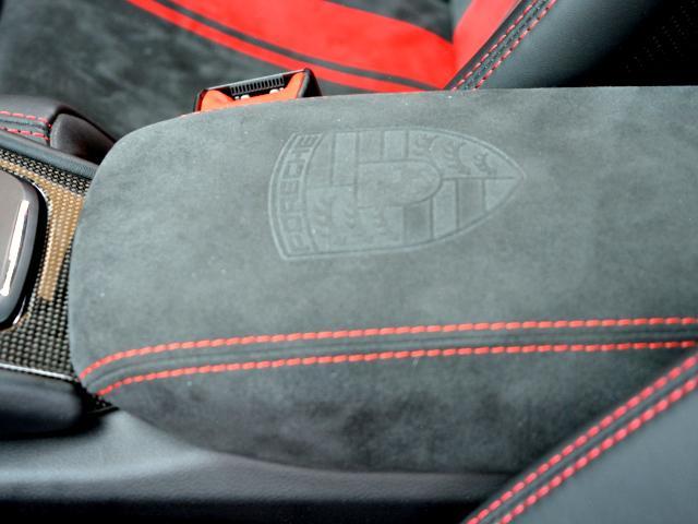 911GT3 6MT Fリフト レザーP カーボンP Clubsport package PTV Red 12 o'clock スポーツクロノ フルバケットシート ミラーカーボン ブラックデザインLEDヘッドライト(45枚目)
