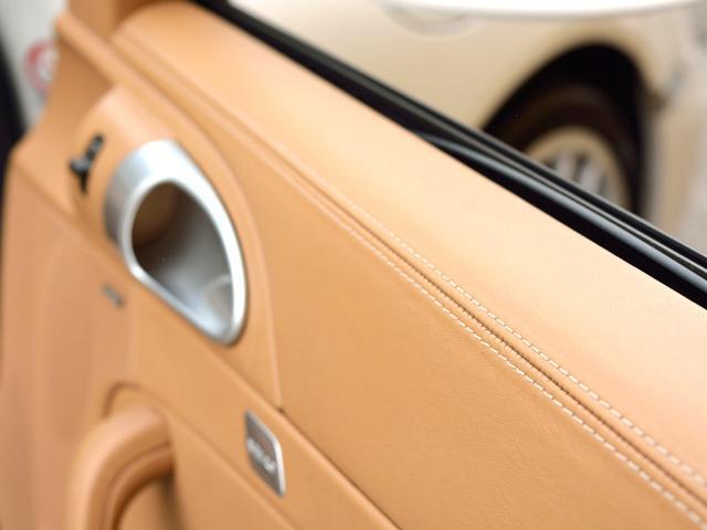 911カレラGTS カブリオレ ワイドボディ パワーアップKIT スポーツエグゾースト センターロックRSホイール BOSEサウンド レザー仕上げインテリア ベンチレーション イルミエントリガード(23枚目)