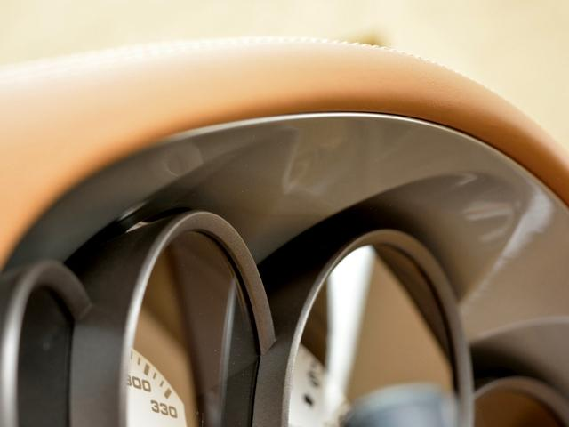 911カレラGTS カブリオレ ワイドボディ パワーアップKIT スポーツエグゾースト センターロックRSホイール BOSEサウンド レザー仕上げインテリア ベンチレーション イルミエントリガード(34枚目)