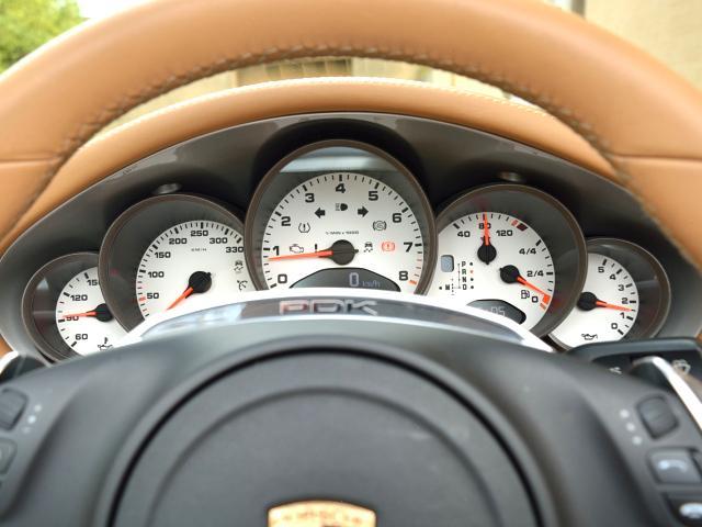 911カレラGTS カブリオレ ワイドボディ パワーアップKIT スポーツエグゾースト センターロックRSホイール BOSEサウンド レザー仕上げインテリア ベンチレーション イルミエントリガード(42枚目)